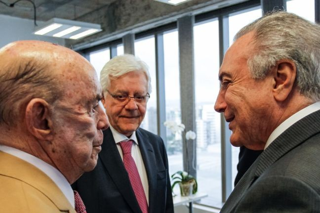 Francisco Dornelles, governador do Rio de Janeiro, Michel Temer, presidente da República, e o ministro Moreira Franco (Foto: Beto Barata / Presidência da República)