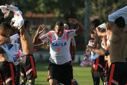 Elton, Ninho do Urubu, treino, Flamengo (Foto: Gilvan de Souza/ Fla Imagem)