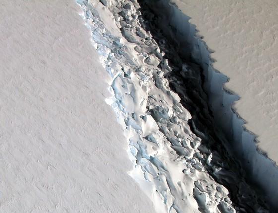 A fenda na plataforma de gelo Larsen C, na Antártica (Foto:  John Sonntag/Nasa)