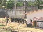 PM entra em Alcaçuz para erguer muro de contêineres e separar presos