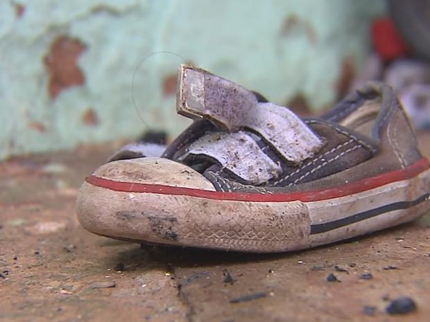 Menina de um ano morreu após casa ser incendiada (Foto: Reprodução/TV TEM)