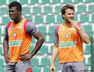 Sandro e Canuto, zagueiros do Figueirense  (Foto: Luiz Henrique, FFC)
