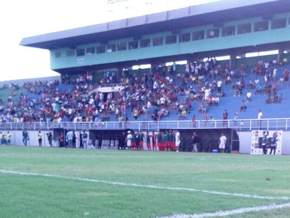 Público pagante no Florestão foi de 684 torcedores (Foto: João Paulo Maia)