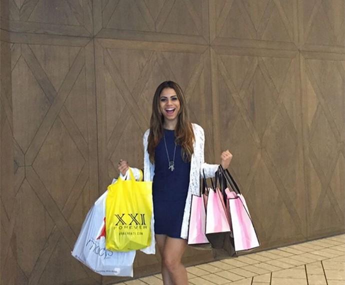 O tempo foi corrido, mas Lexa conseguiu duas horinhas para fazer compras (Foto: Arquivo Pessoal)