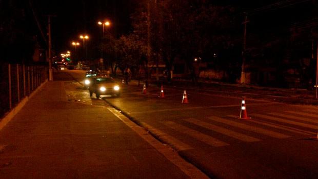 Barreira de fiscalização da Operação Lei Seca foi montada na Avenida João Medeiros Filho, na Zona Norte de Natal (Foto: Tenente da PM Styvenson Valentim/G1)