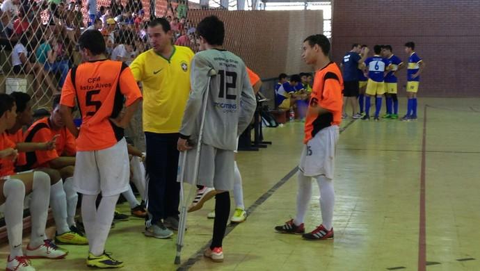 Professor Márcio Medeiros se surpreendeu com o desempenho do jovem - Tocantins (Foto: Vilma Nascimento/GloboEsporte.com)