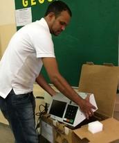 Mais de 40 urnas são substituídas (Vitor Santana/G1 GO)