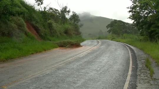 Saiba quais rodovias em MG estão com trechos interditados após chuva