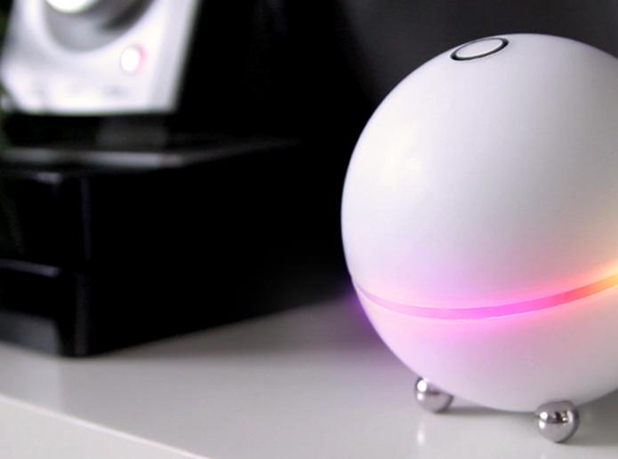 Homey permite controlar casa a distância e aceita comandos de voz por Internet (foto: Reprodução/Kickstarter)