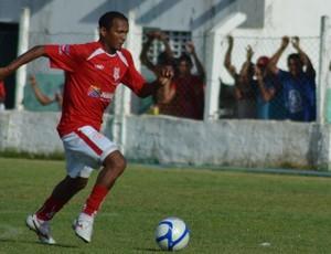Atacante Lindoval, do Sergipe (Foto: João Áquila/GLOBOESPORTE.COM)