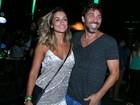 Camila Lucciola usa vestido curto para ir a show com Marcelo Faria