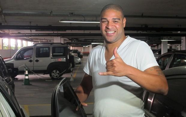 adriano exames (Foto: Janir Junior/Globoesporte.com)