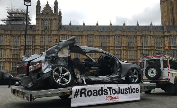 """""""Você perde seu filho e em seguida o sistema legal no qual você confiava o desaponta"""", diz pai de homem morto em acidente (Foto: BBC/Brake)"""