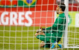 Julio Cesar Brasil x Portugal (Foto: Reuters)