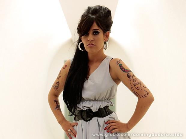 Letícia Coimbra imita Amy Winehouse (Foto: Felipe Monteiro / TV Globo)