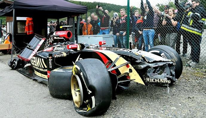 Pastor Maldonado batida Lotus (Foto: AP)