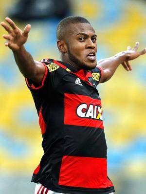 Marcelo Cirino comemora gol do Flamengo contra o Barra Mansa (Foto: Alexandre Cassiano / Agência O Globo)