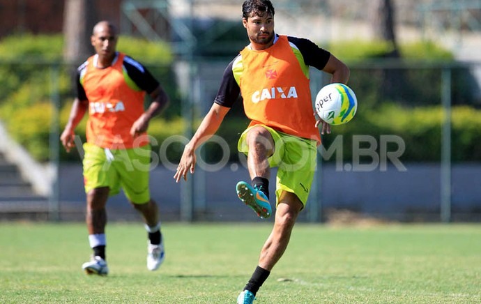 pedro ken Vasco treino pinheiral (Foto: Marcelo Sadio / Vasco.com.br)
