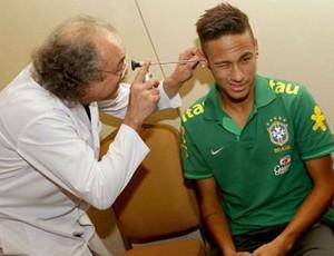 neymar exames seleção brasileira (Foto: Rafael Ribeiro)