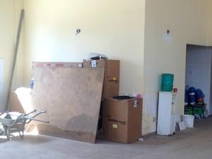 Nenhum homem trabalhava em reforma de prédio na data nesta segunda-feira (30) (Foto: Abinoan Santiago/G1)