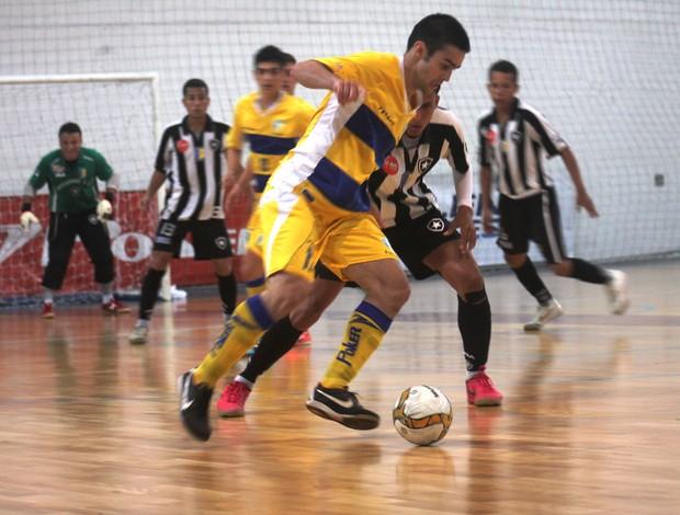 Petrópolis sofreu a primeira derrota na competição (Foto: Felipe Carvalho)