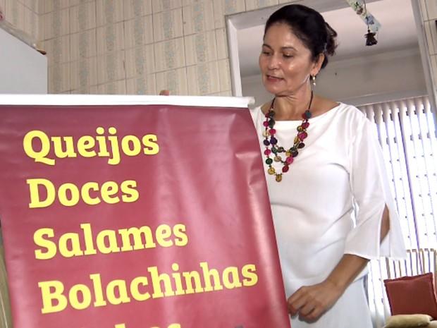 Dulce Nogueira passou a vender produtos de Minas após não conseguir emprego em Campinas (Foto: Reprodução / EPTV)