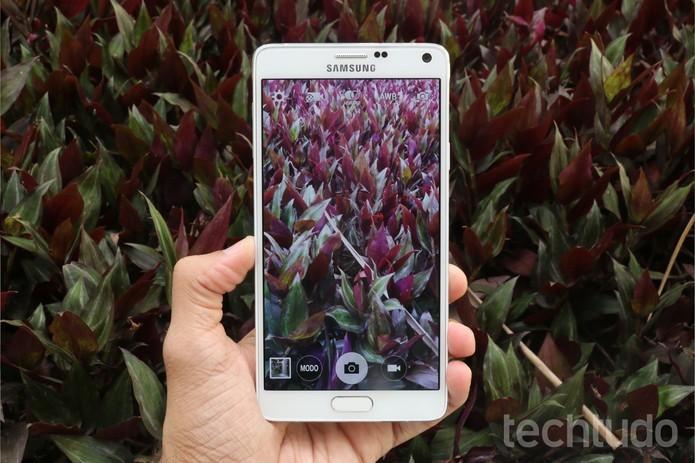 Galaxy Note 4 tem câmera que filma em 4K (Foto: Lucas Mendes/TechTudo)