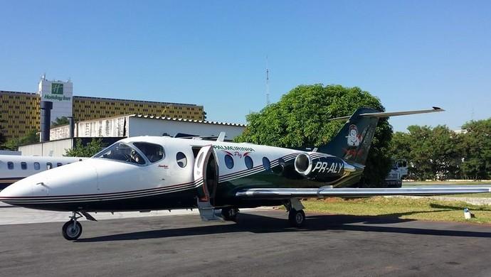 Palmeirinha Fly: o jatinho do presidente do Palmeiras, Paulo Nobre (Foto: GloboEsporte.com)