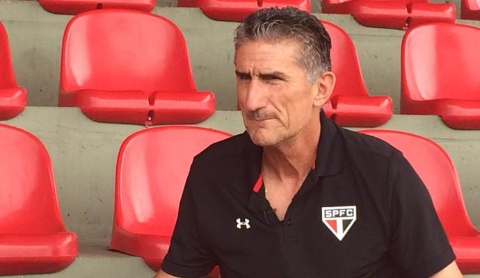 Edgardo Bauza diz que São Paulo está perto de anunciar zagueiro argentino
