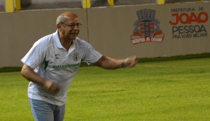 Neto Maradona, técnico do Sousa (Foto: Hévilla Wanderley / GloboEsporte.com/pb)