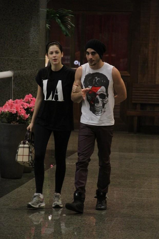 Sophia Abrahão e Fiuk em shopping do Rio (Foto: Marcus Pavão / AgNews)
