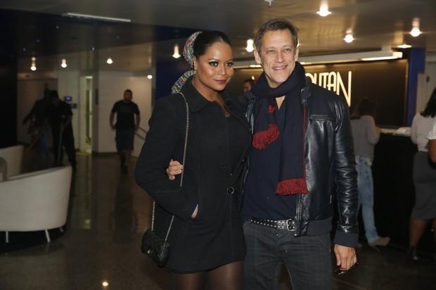 Adriana Bombom e o marido no show do Sorriso Maroto (Foto: Marcos Serra Lima/EGO)