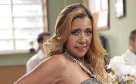 Rita Cadillac grava cenas de 'Amor' e diz: 'Sou uma canastrona interpretando'