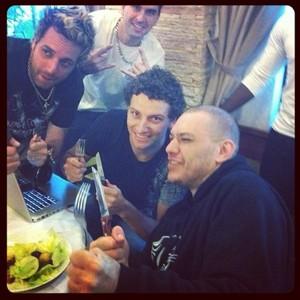 Elano posta foto com Chorão (Foto: Instagram / Reprodução)