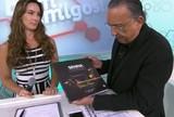 Galvão Bueno e livro de Senna