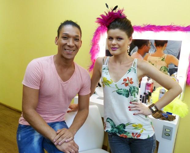 Wellignton e Caroline dão dicas preciosas para o carnaval! (Foto: Melina Mantovani / Gshow)