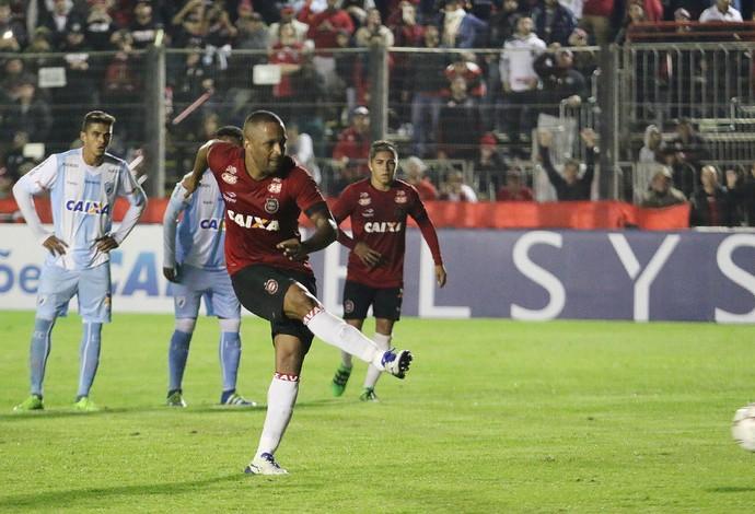 Brasil de Pelotas x Londrina Bento Freitas Série B gol Rodrigo Silva (Foto: Carlos Insaurriaga / G.E. Brasil)