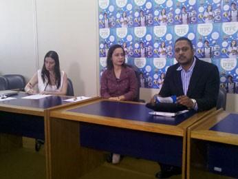 Coletiva do IFPE sobre vestibular 2013 (Foto: Wanessa Andrade / TV Globo)