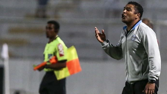Roger Grêmio Ponte (Foto: Ag Estado)