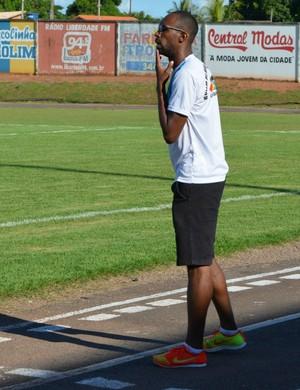 Técnico do Rolim de Moura, Robson Lino (Foto: Rogério Aderbal)