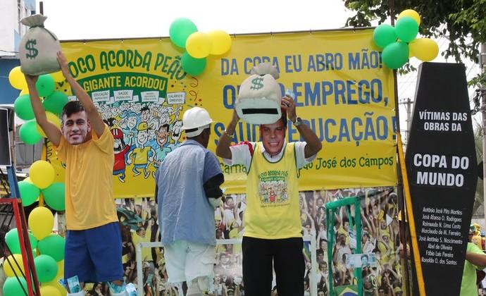 Ronaldo e Neymar Bloco Acorda Peão em São José dos Campos (Foto: Márcio Rodrigues)