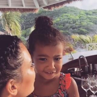 Kim Kardashian e North West (Foto: Instagram / Reprodução)