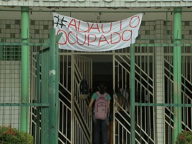 Escola de Fortaleza seguem ocupadas por alunos após fim da greve (Foto: TV Verdes Mares/Reprodução)