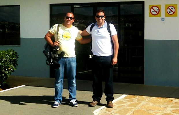 Os repórteres Lucas Bretas e Alexandre Sá acompanham voluntários de Ribeirão Preto pelo sertão da Bahia (Foto: Lucas Bretas)