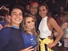 Larissa Manoela posa com Bruna Marquezine e Neymar após jogo