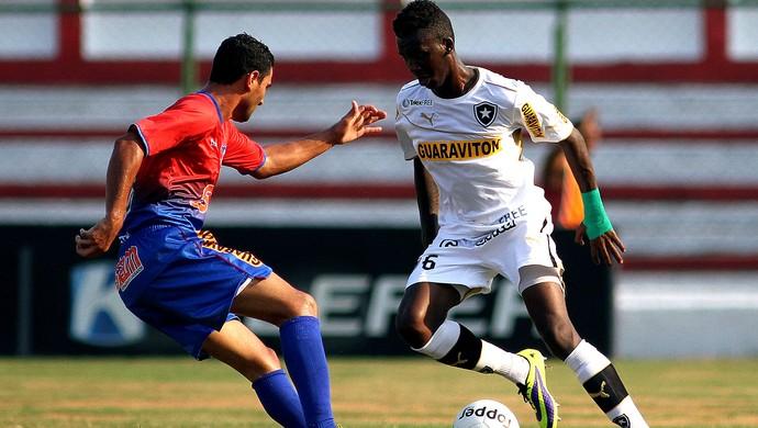 alano botafogo e Friburguense (Foto: Vitor Silva / SSPress)