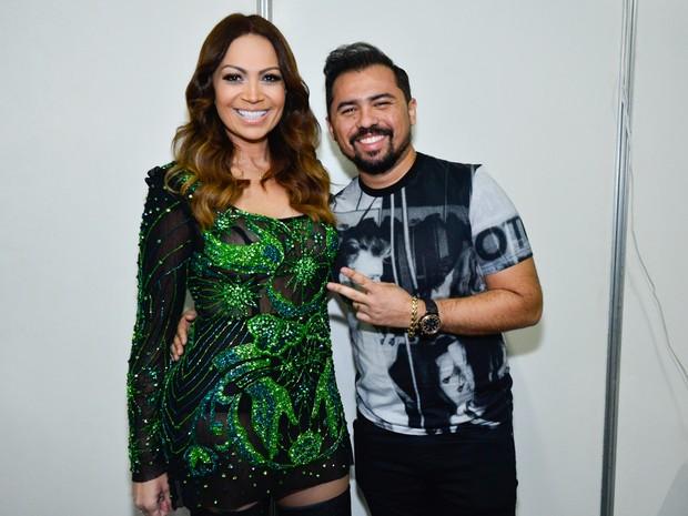 Solange Almeida e Xand em bastidores de show em Salvador, na Bahia (Foto: André Muzell/ Brazil News)