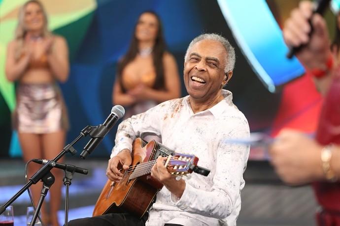 Gilberto Gil festeja encontro no 'Domingão' (Foto: Carol Caminha/Gshow)