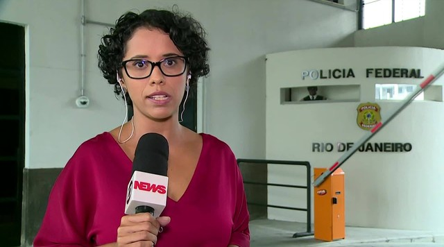 Garotinho é levado para sede da PF no Rio e Rosinha vai para a sede de Campos