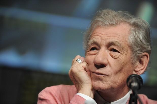 Ian McKellen fala surante painel sobre o filme, na Comic Con (Foto: Jordan Strauss/Invision/AP)